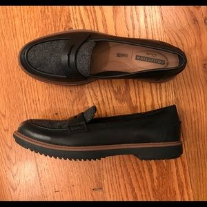 EUC Clarks Loafer, Black